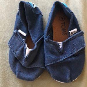 EUC infant Toms